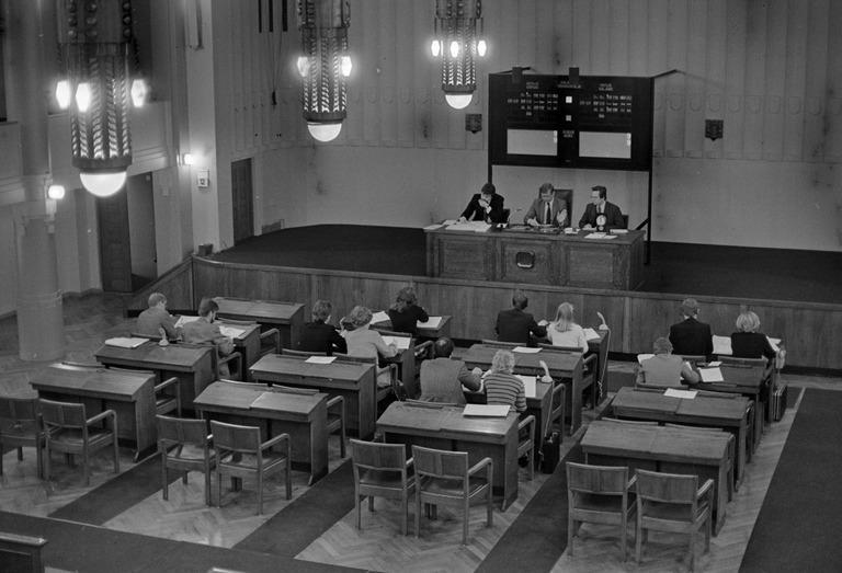 Vanha kuva Helsingin pörssistä.